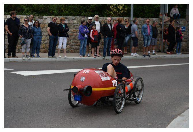 Réville : course de voitures à pédales