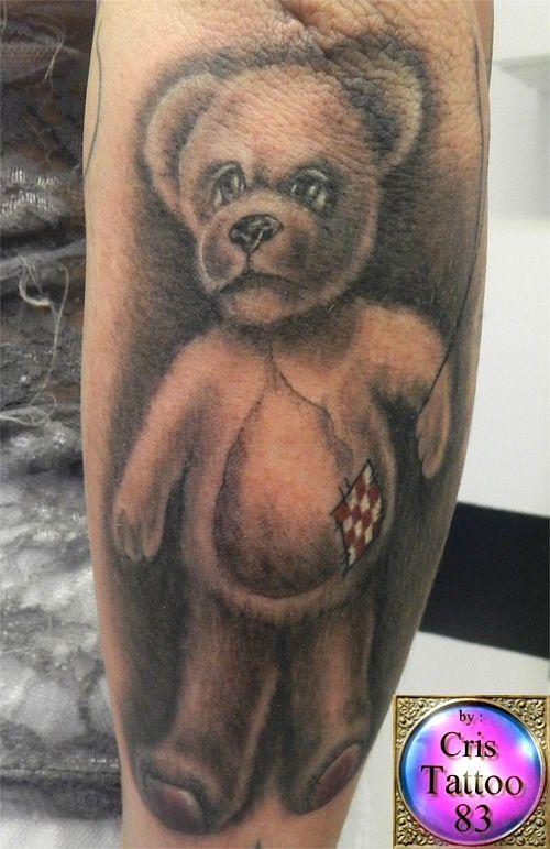 tatouage nounours triste
