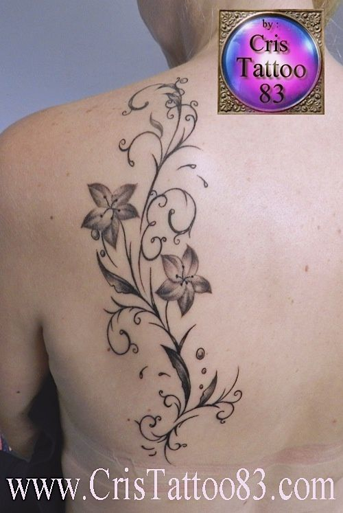 tatouage ornemental dos femme