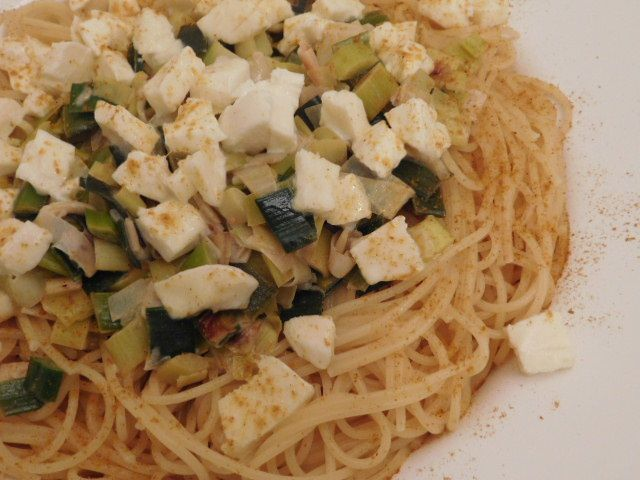 Spaghetti à la fondue de poireaux.