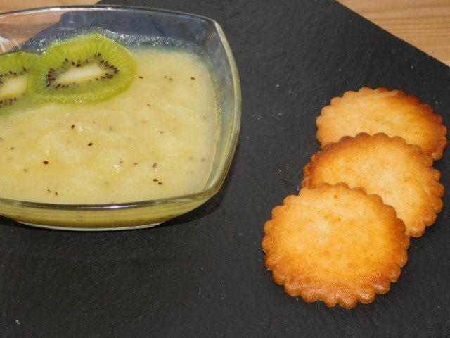 Soupe d'ananas-kiwi.
