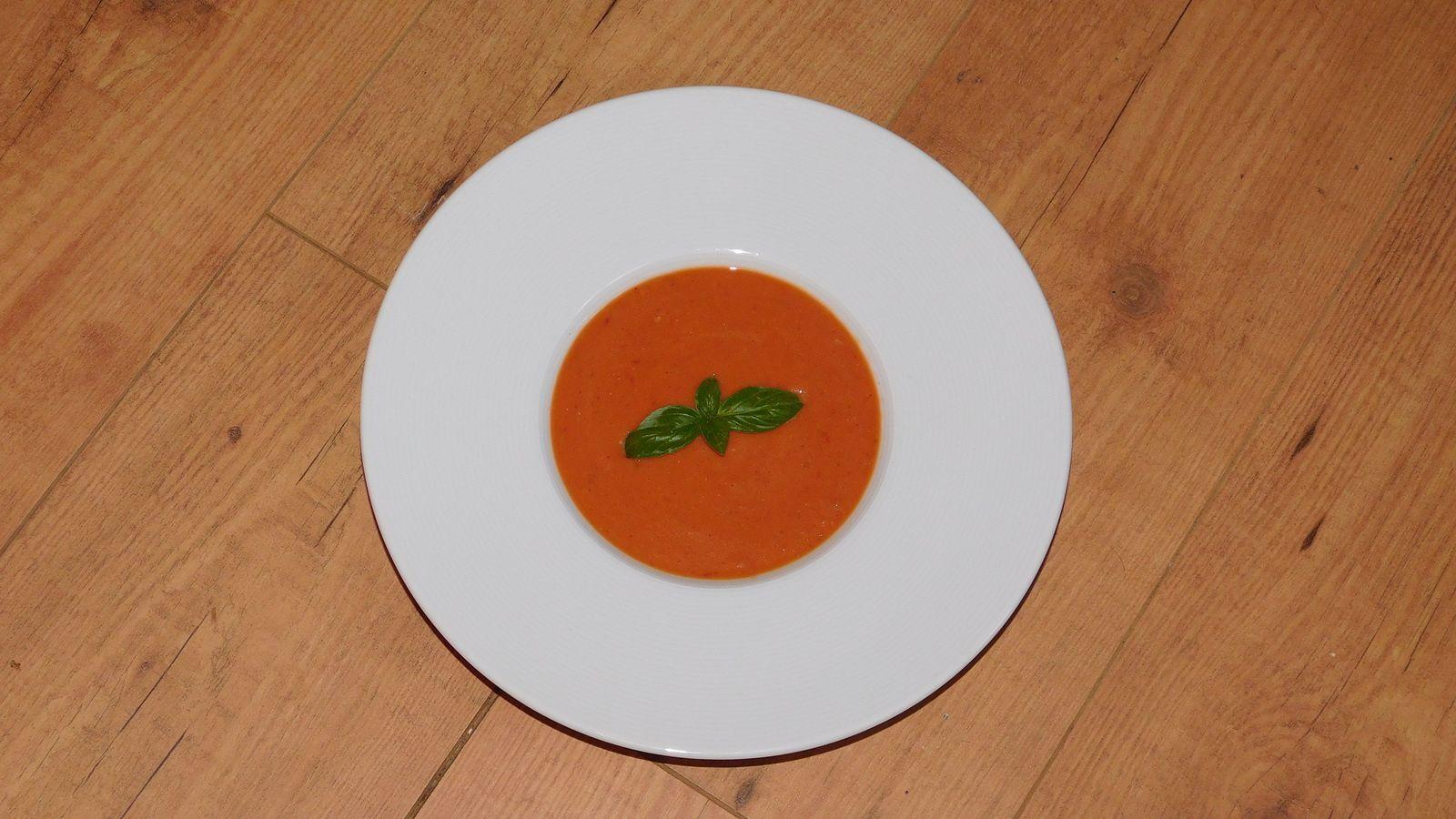 Velouté de tomates rôties.