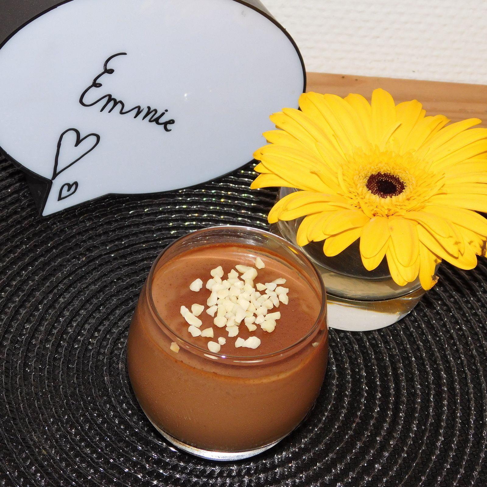 Panna cotta au laitd'amandes et au chocolat.