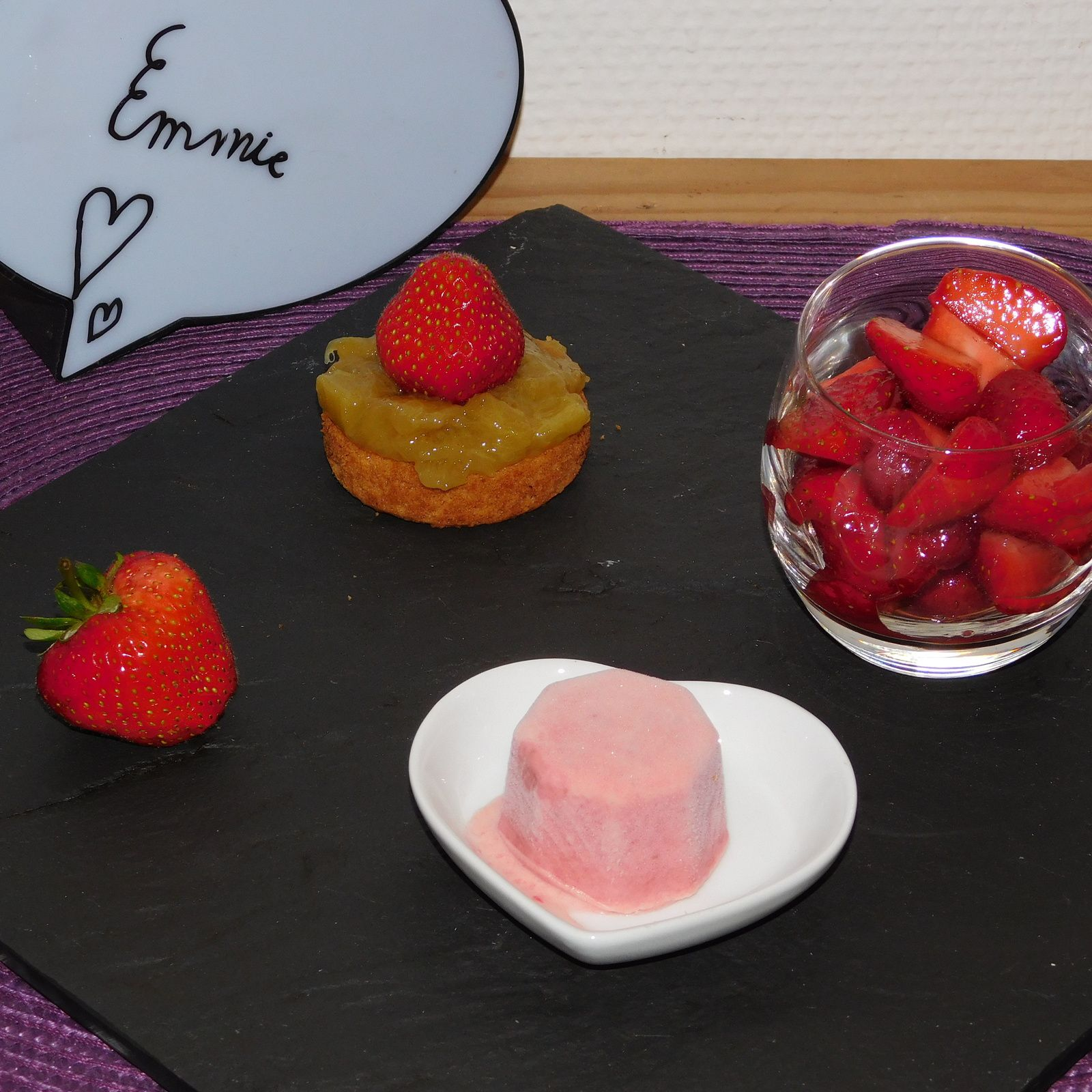 Tartelette fraise-rhubarbe.
