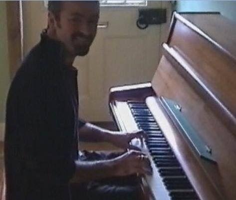 GEORGE MICHAEL - J'AI ACHETE LE PIANO DE LENNON AU MEILLEUR MOMENT !!