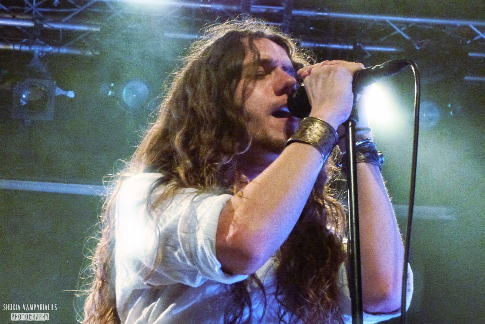Andrew Hunt, vocalist of Buffalo Summer - credit: Shukia Vampyrialils Photography