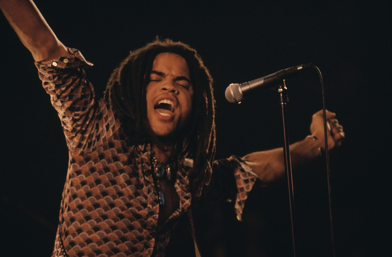 Lenny Kravitz performing on stage, circa 1994. (Photo by Michel Linssen/Redferns/Getty Images)