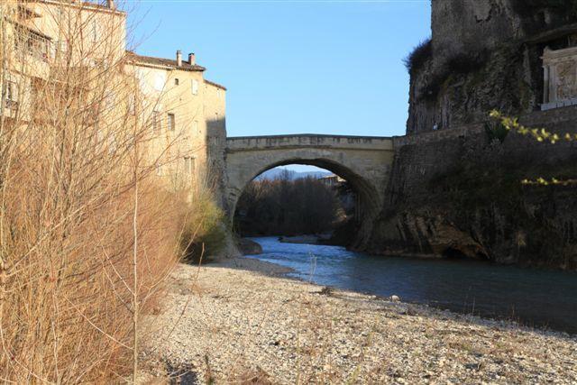 Vaison la Romaine, le pont romain