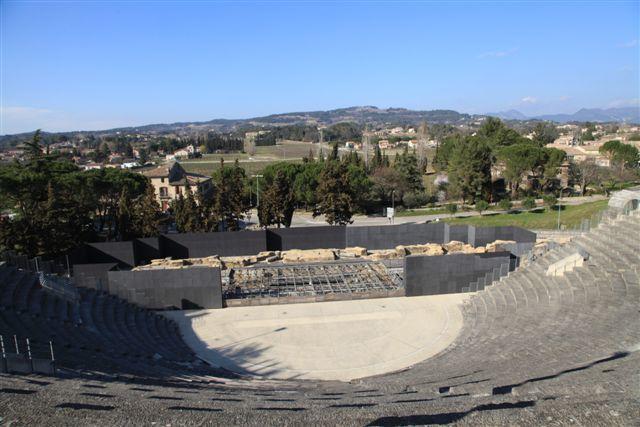 Vaison la Romaine : Quartier de La Villasse, le théâtre antique