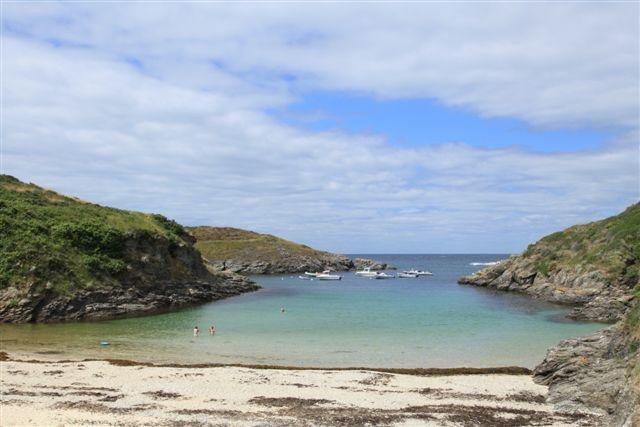 """Belle Ile, l'une des deux plages de Port de Deuborh (en Breton """"Deuborh"""" signifie """"les deux ports"""")"""
