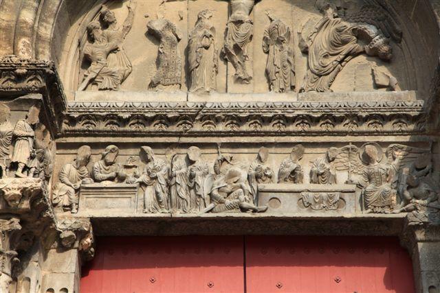 Sur le chemin de Saint-Jacques de Compostelle, l'abbatiale de Saint-Gilles du Gard