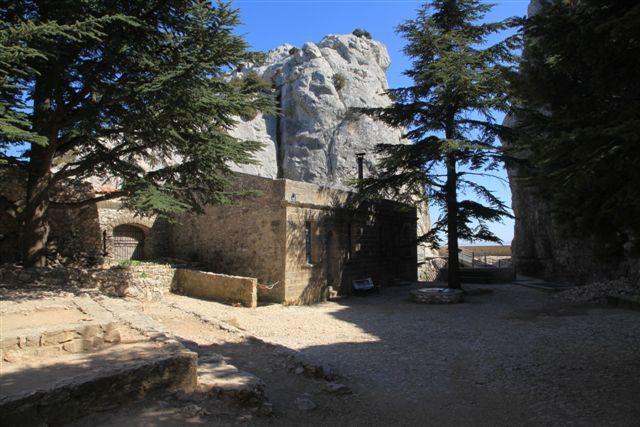 Refuge prieuré montagne Sainte-Victoire