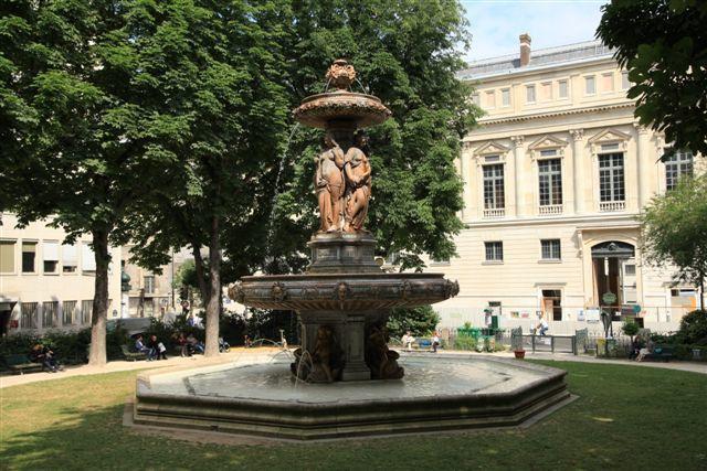 Fontaines, bassins et jets d'eau du 2ème arrondissement de Paris