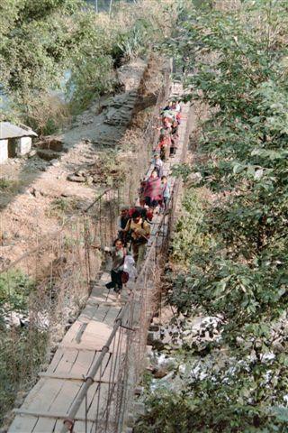 Pont suspendu sur la Gandaki