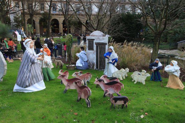 Décorations de Noël et crèches au Pays Basque