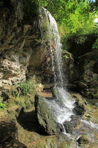 Cascade dans le parc de Bagatelle