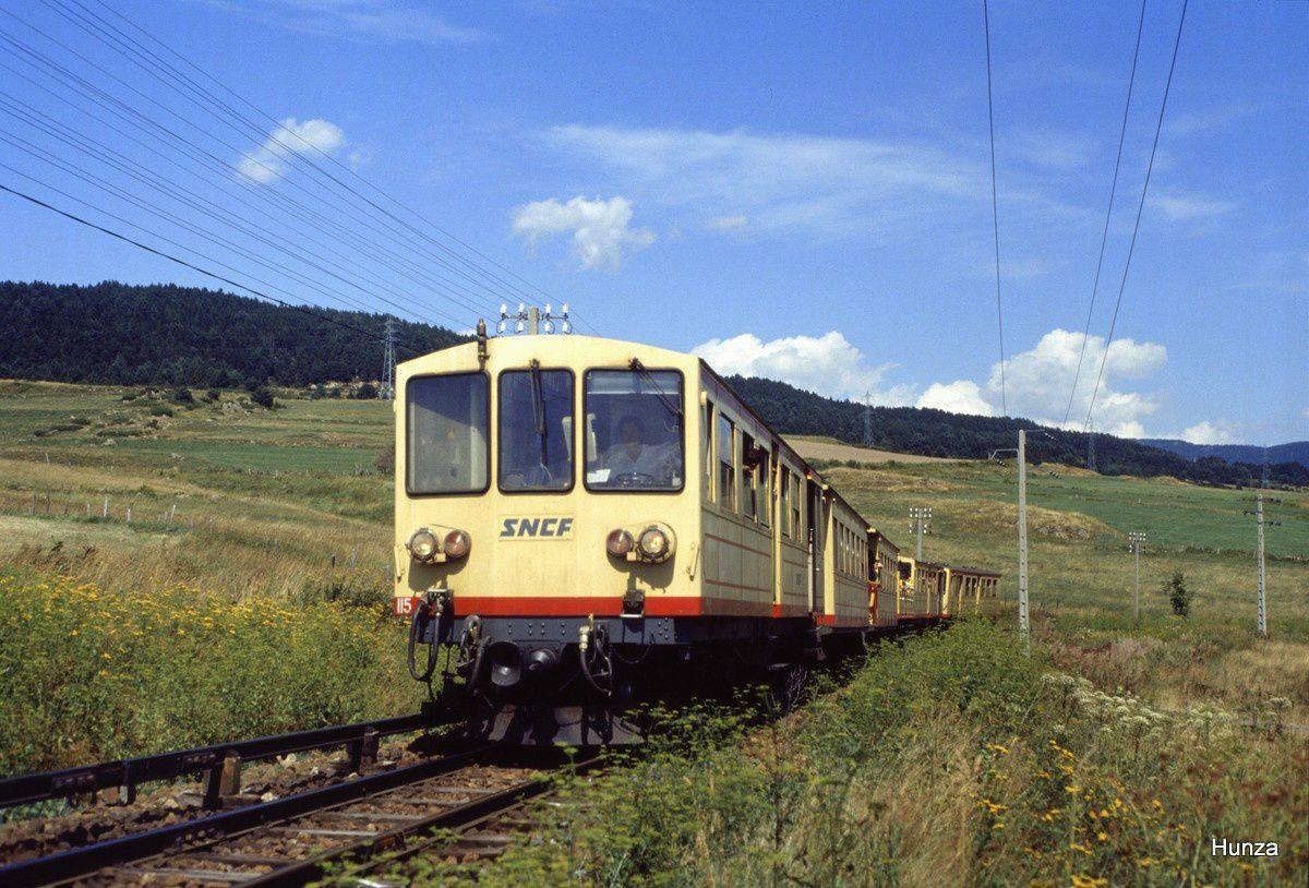 Le train jaune entre Montlouis et Bolquère