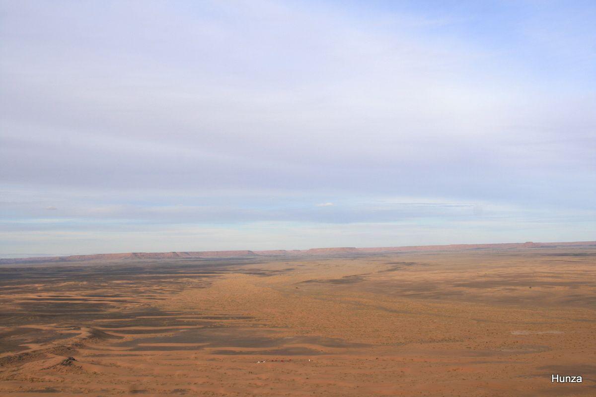 Bivouac au pied du Djebel Begâa
