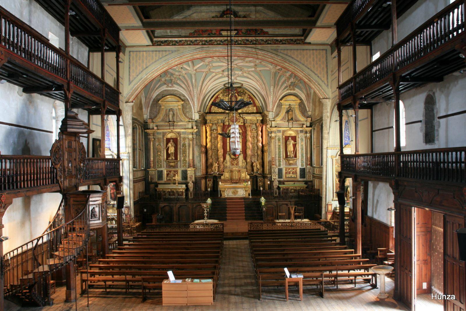 L'intérieur de l'église Saint-Vincent