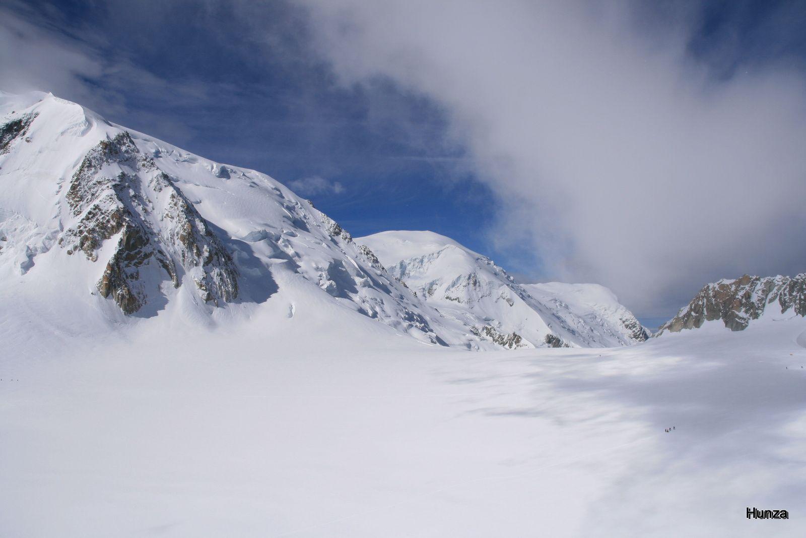Le Col du Midi avec, à gauche, le Mont Blanc du Tacul