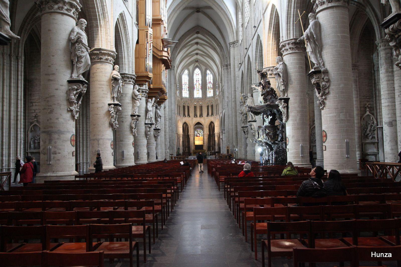 Intérieur de la cathédrale Saints Michel-et-Gudule de Bruxelles