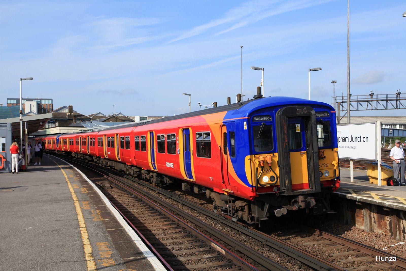 """Clapham Junction : class 455/7 n°455 726 de la """"South West Trains"""" à destination de Waterloo station (31 juillet 2014)"""