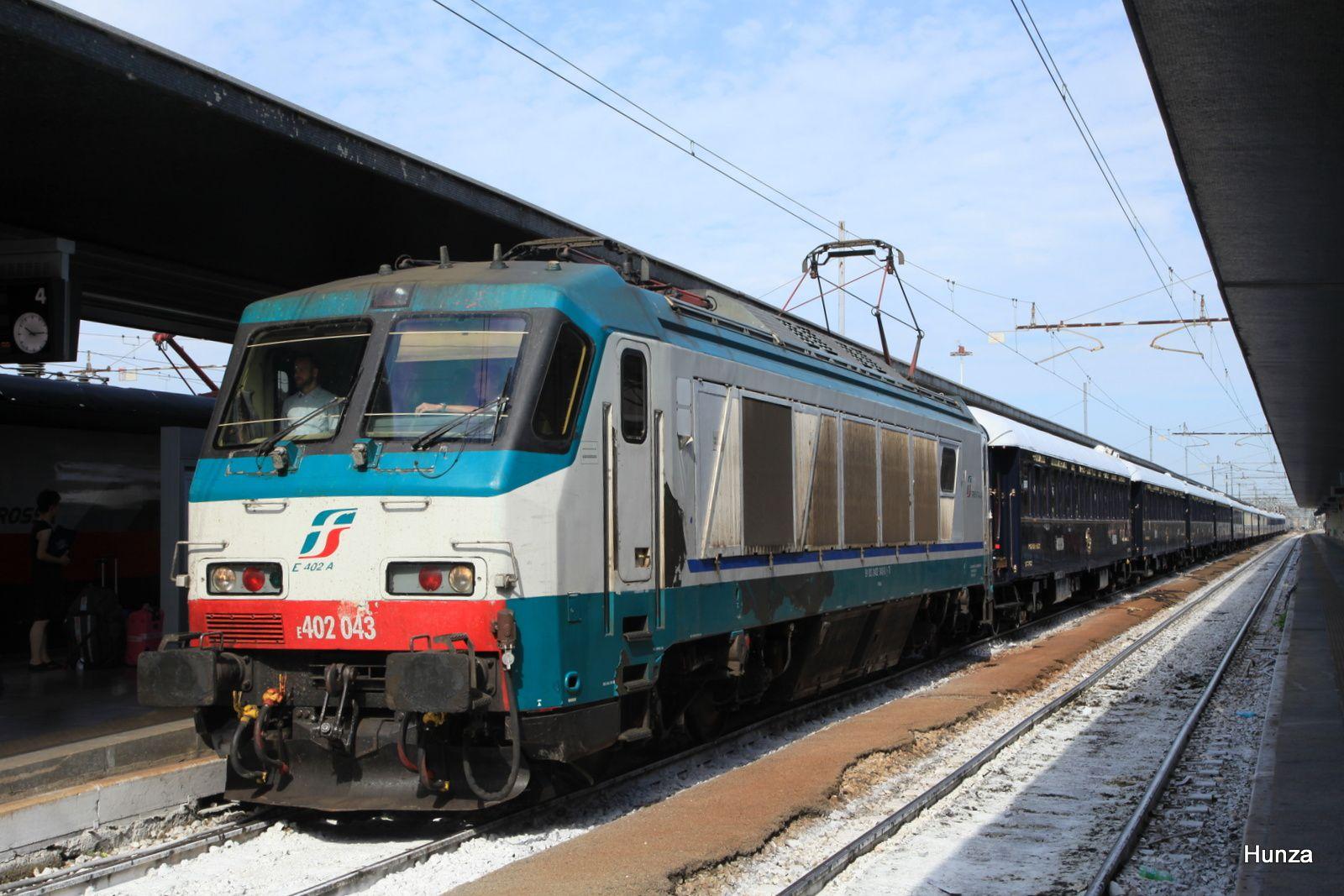 Locomotive E 402 - 043 en tête de l'Orient Express à Venise Santa Lucia (23 août 2017)
