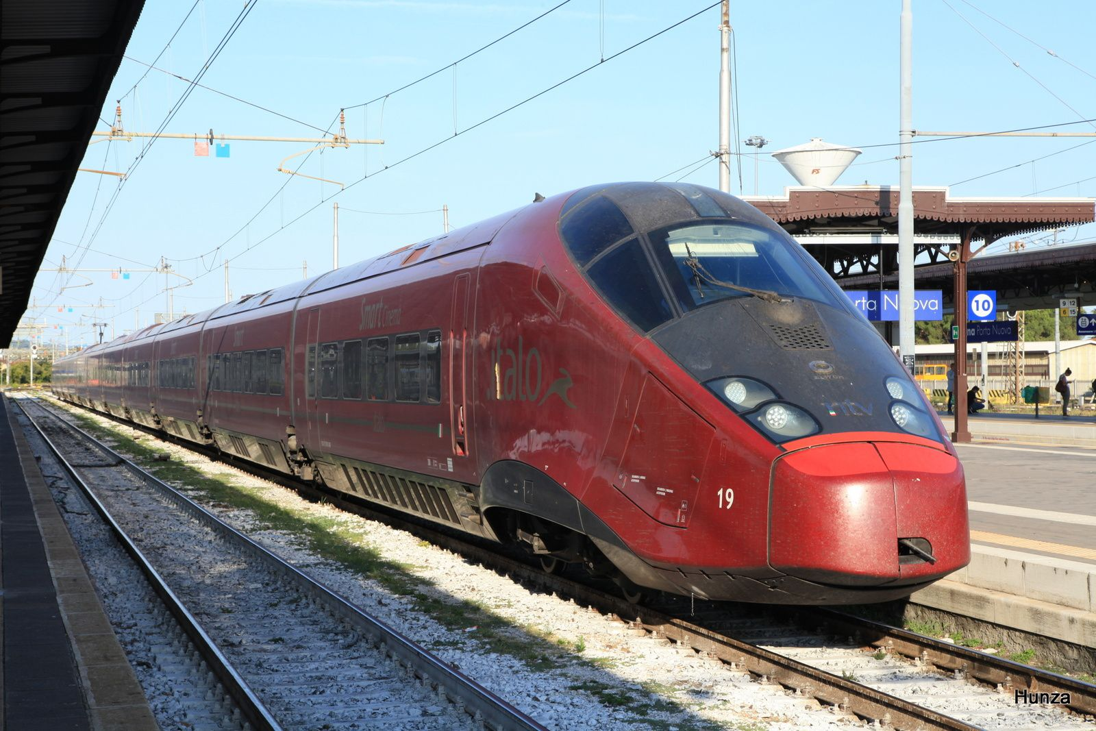 Vérone : un train Italo à destination de Naples (21 août 2017)