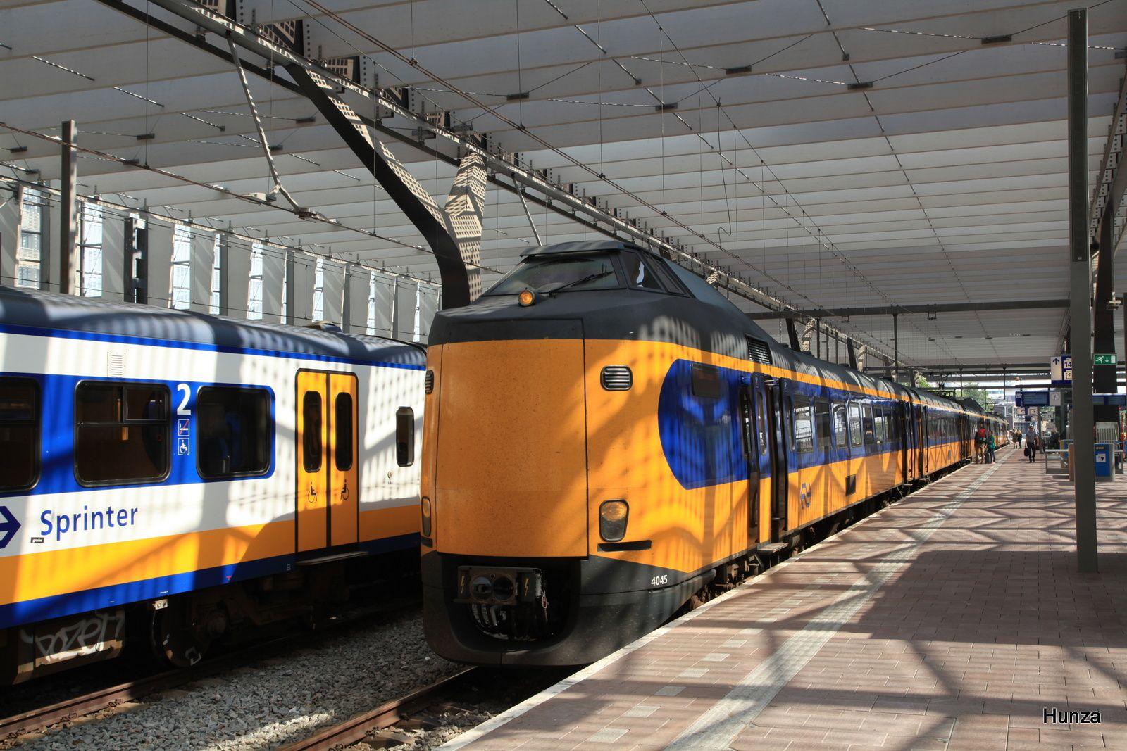 Rotterdam : Intercity à destination de Leewarden - rame n°4045 (14 août 2017)