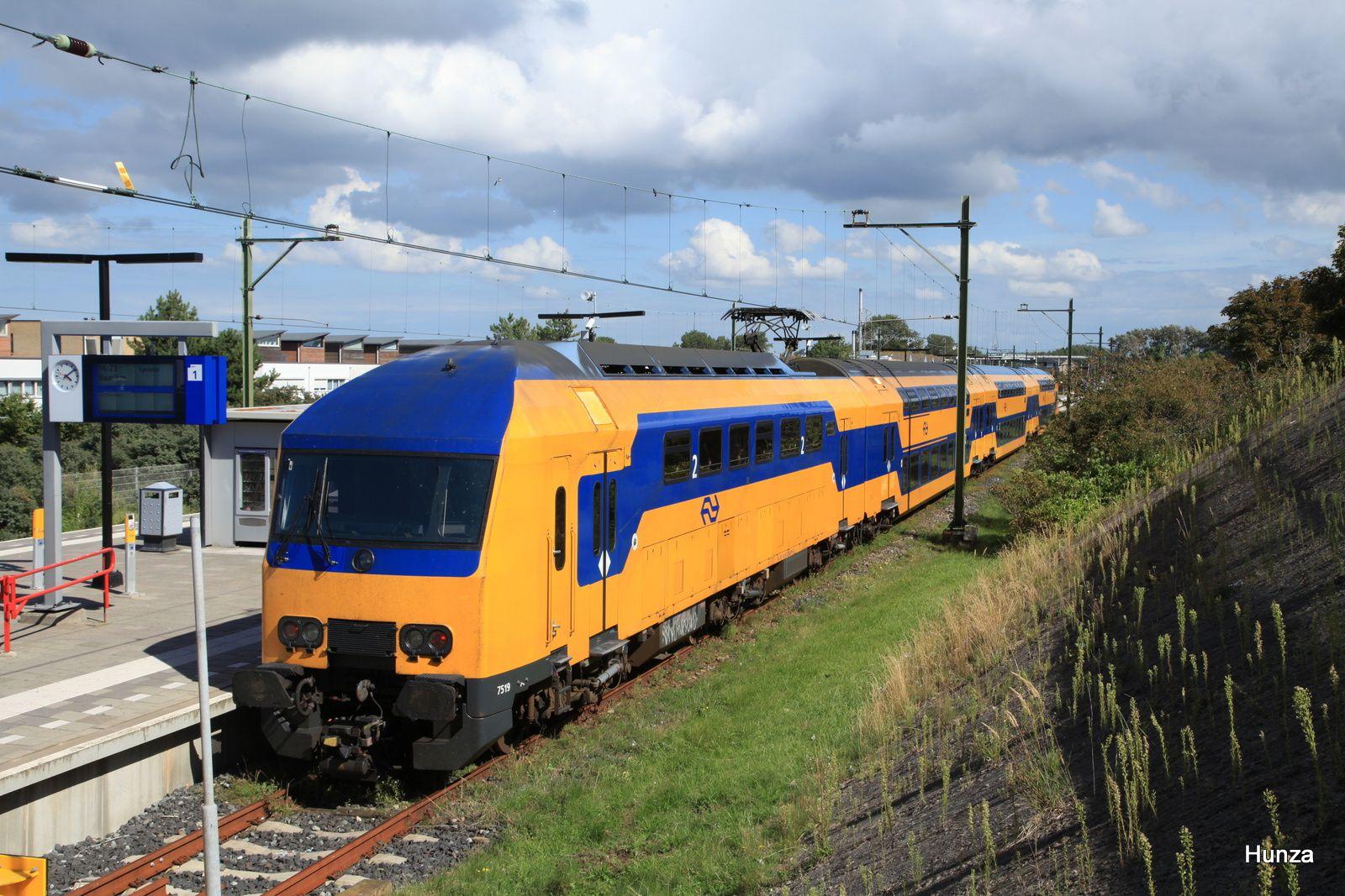 Rame n°7519 assurant la liaison Zandvoort - Haarlem (13 août 2017)