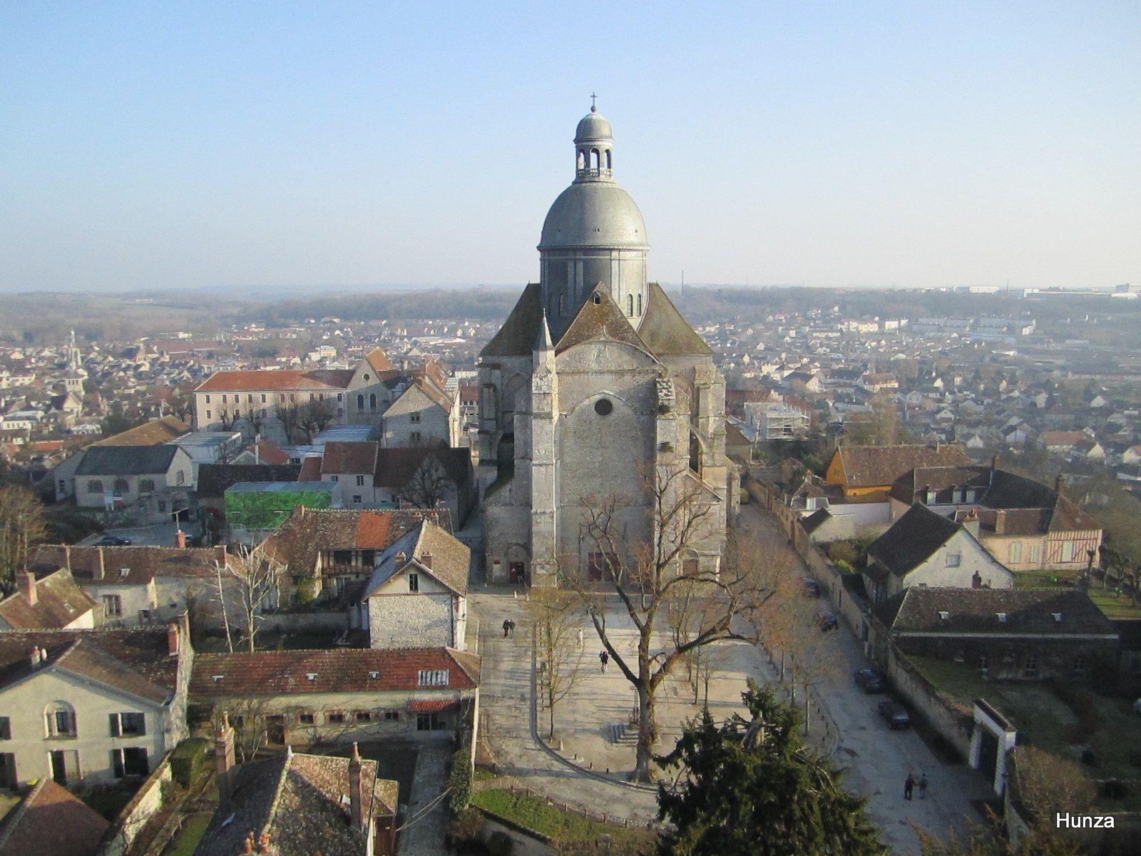 L'église Saint-Quiriace vue depuis le sommet de la tour César