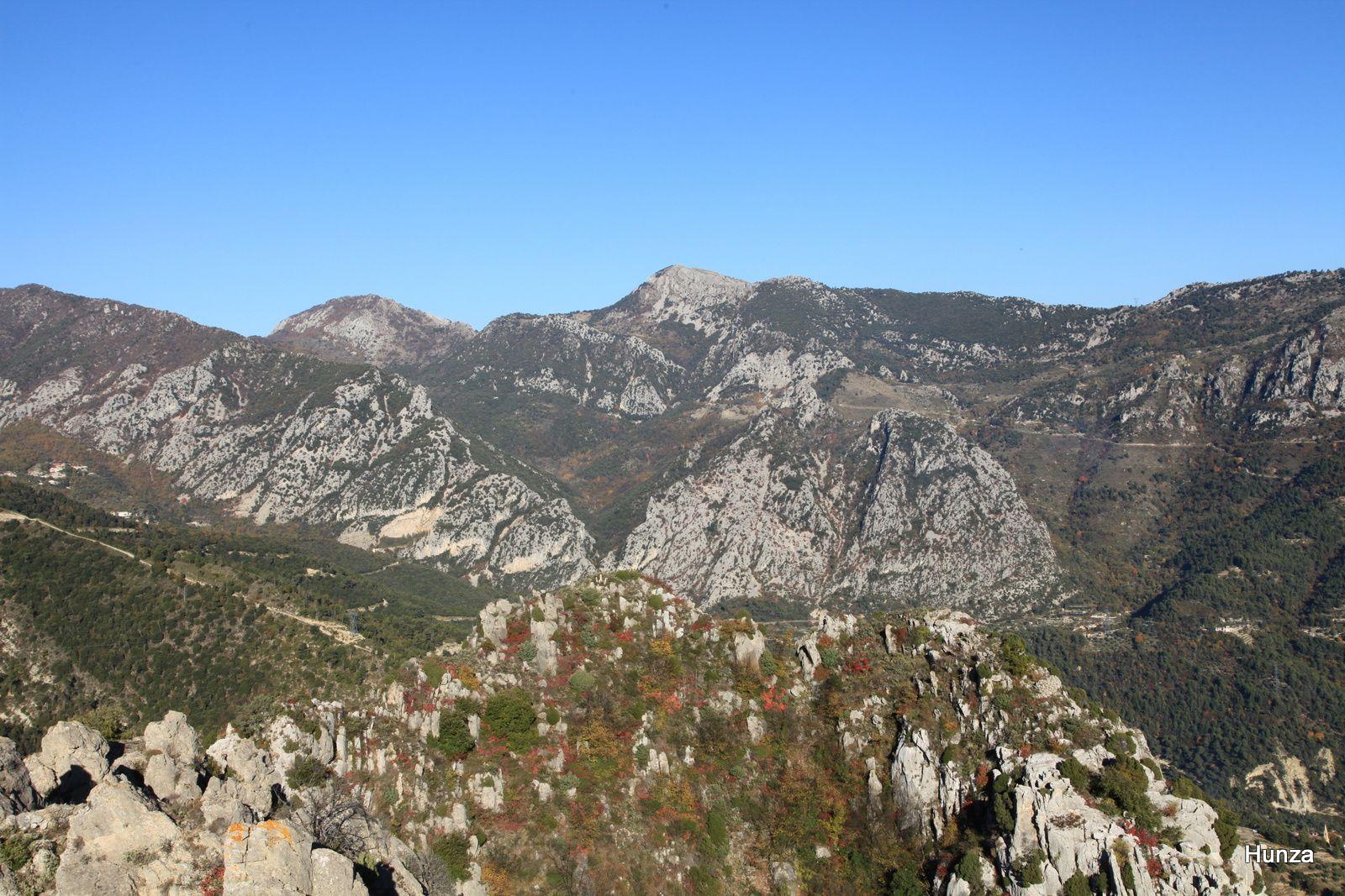 Au centre, le Mont Mulacié (1 326 m)