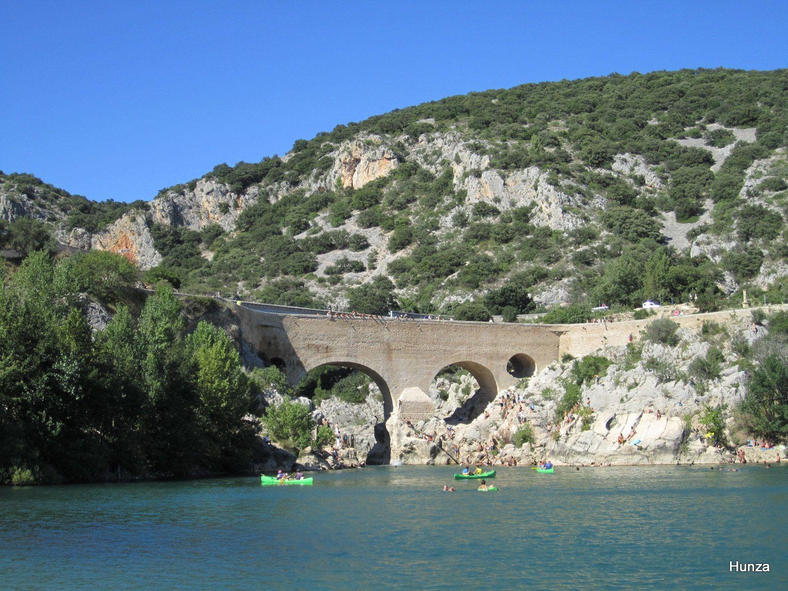 Le pont du Diable haut de 15 m et long de 50 m