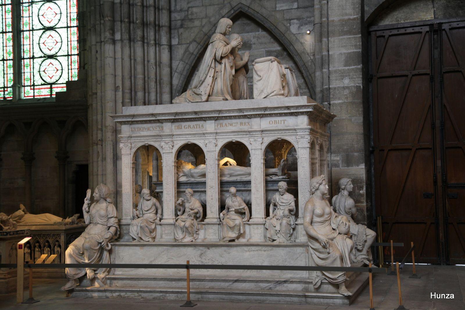 Mausolée d'Anne de Bretagne