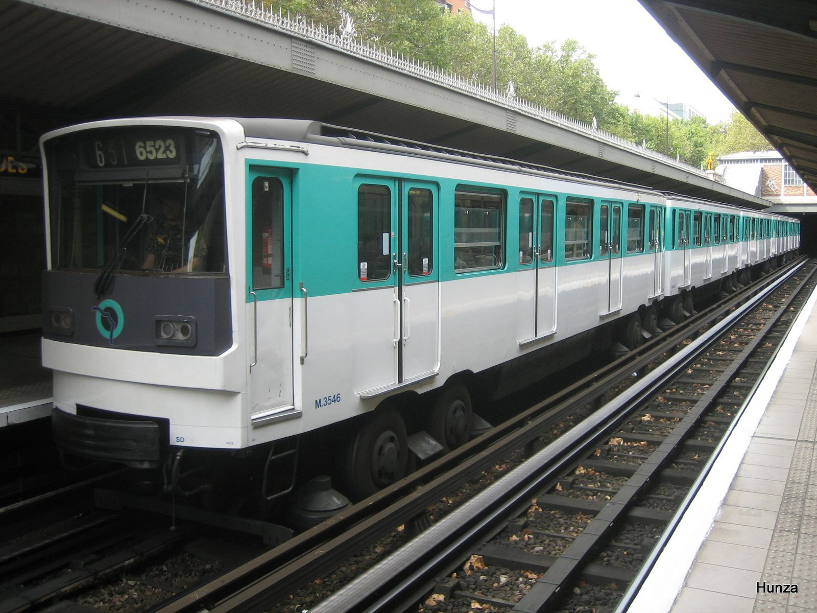 "MP 73 à la station ""Saint-Jacques"" (25 septembre 2005)"