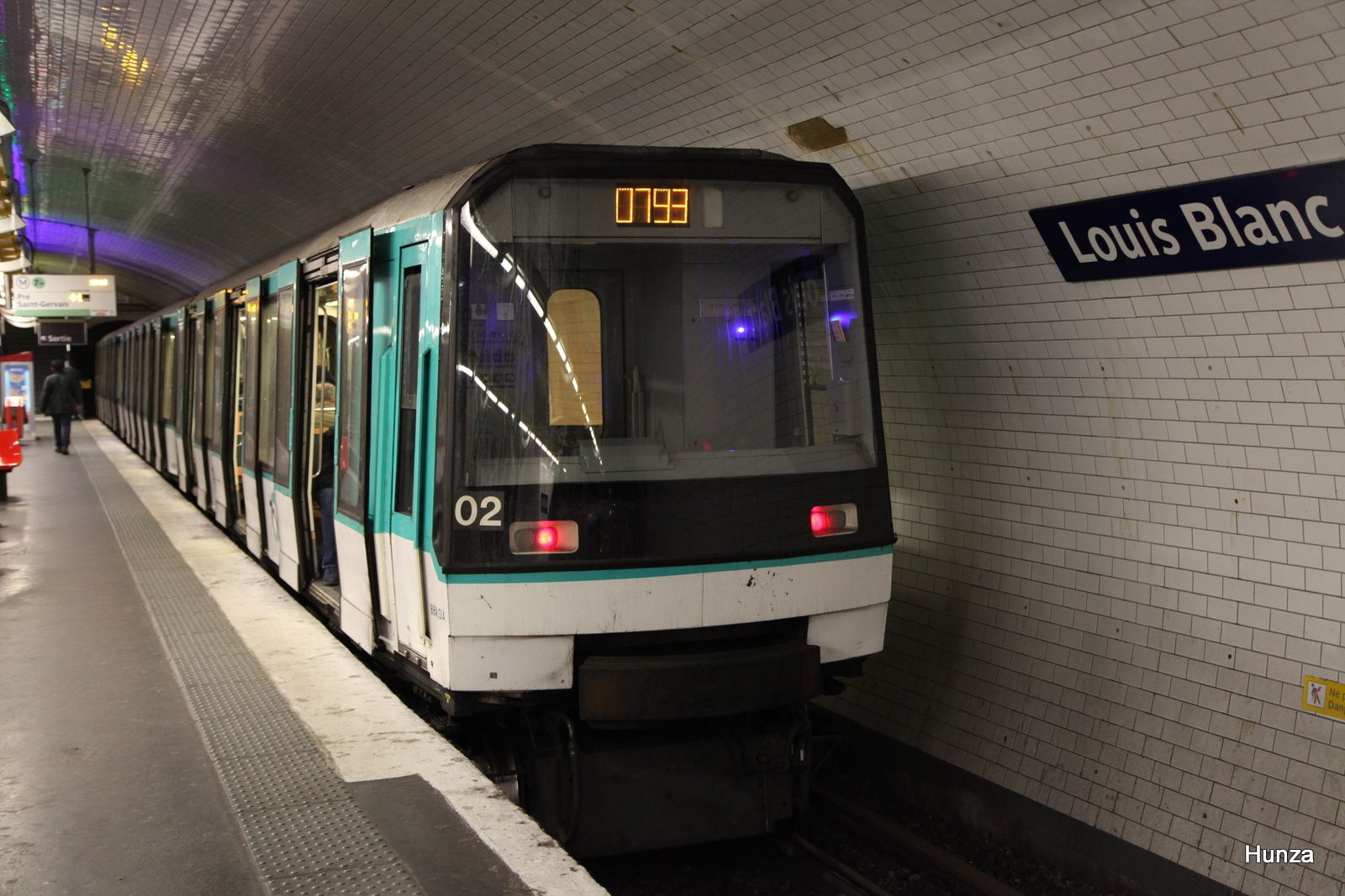 "MF 88 à la station ""Louis Blanc"" (5 mars 2018)"