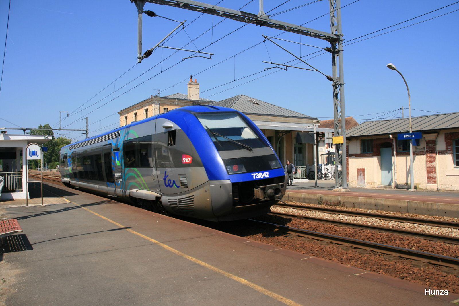X73647 à Bayeux (3 juin 2011)