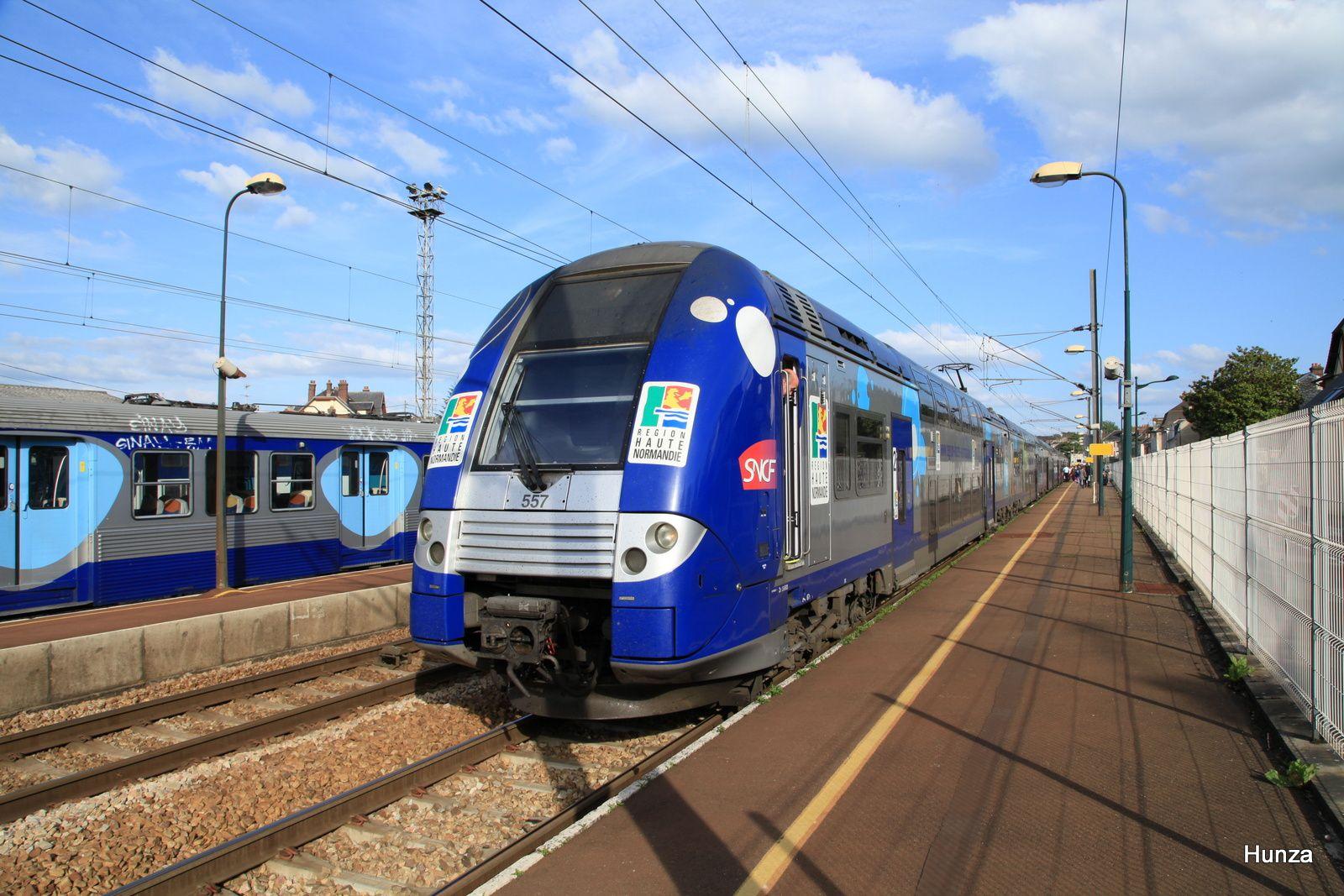 Vernon : un TER assuré par la Z 26113 (17 mai 2012)