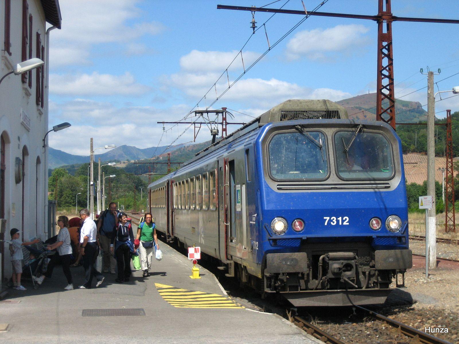 Saint-Jean Pied de Port : arrivée de la Z 7312 en provenance de Bayonne (14 août 2005)