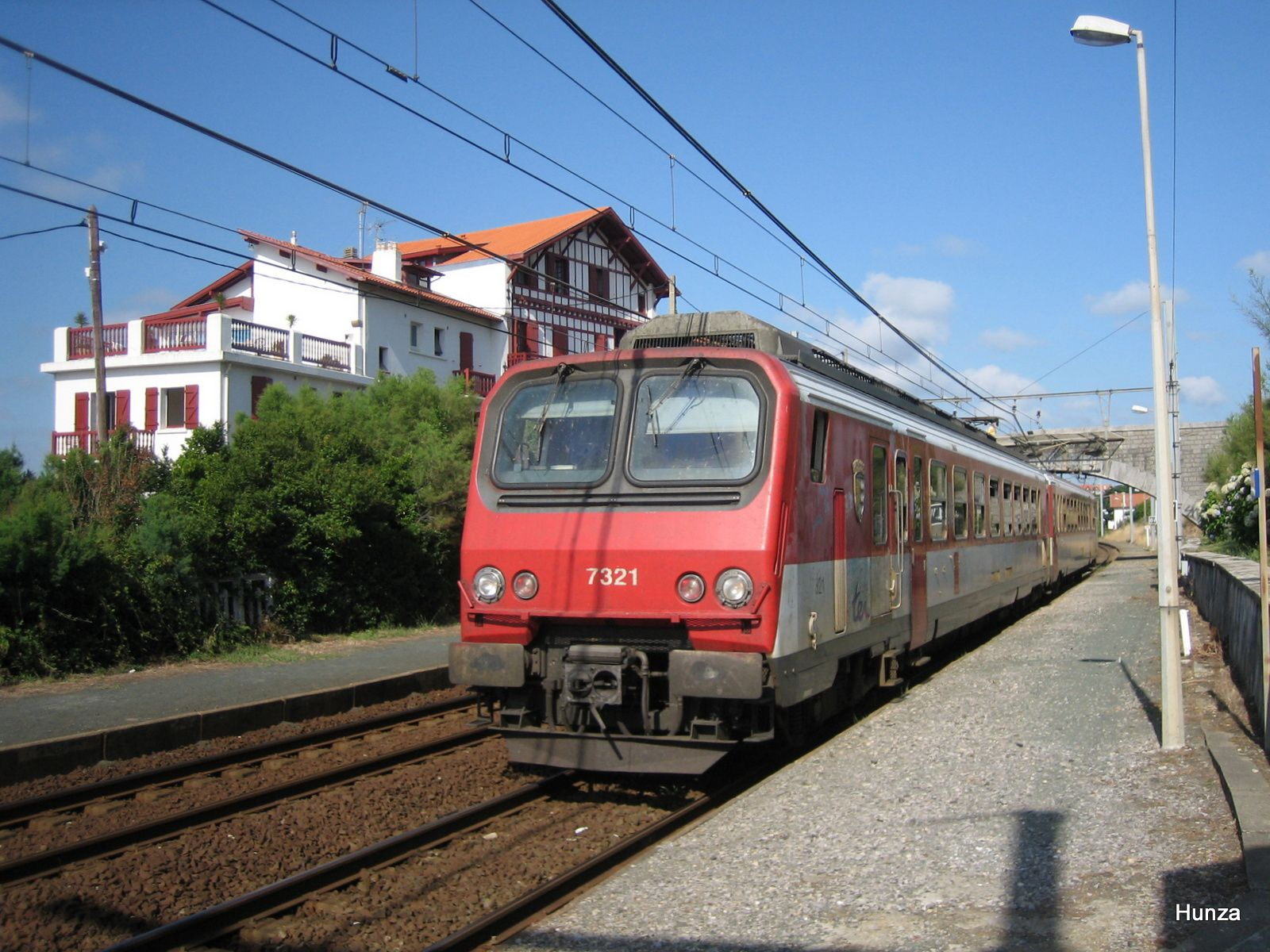 Guéthary : la Z 7312 assure le TER Dax - Hendaye (12 août 2005)
