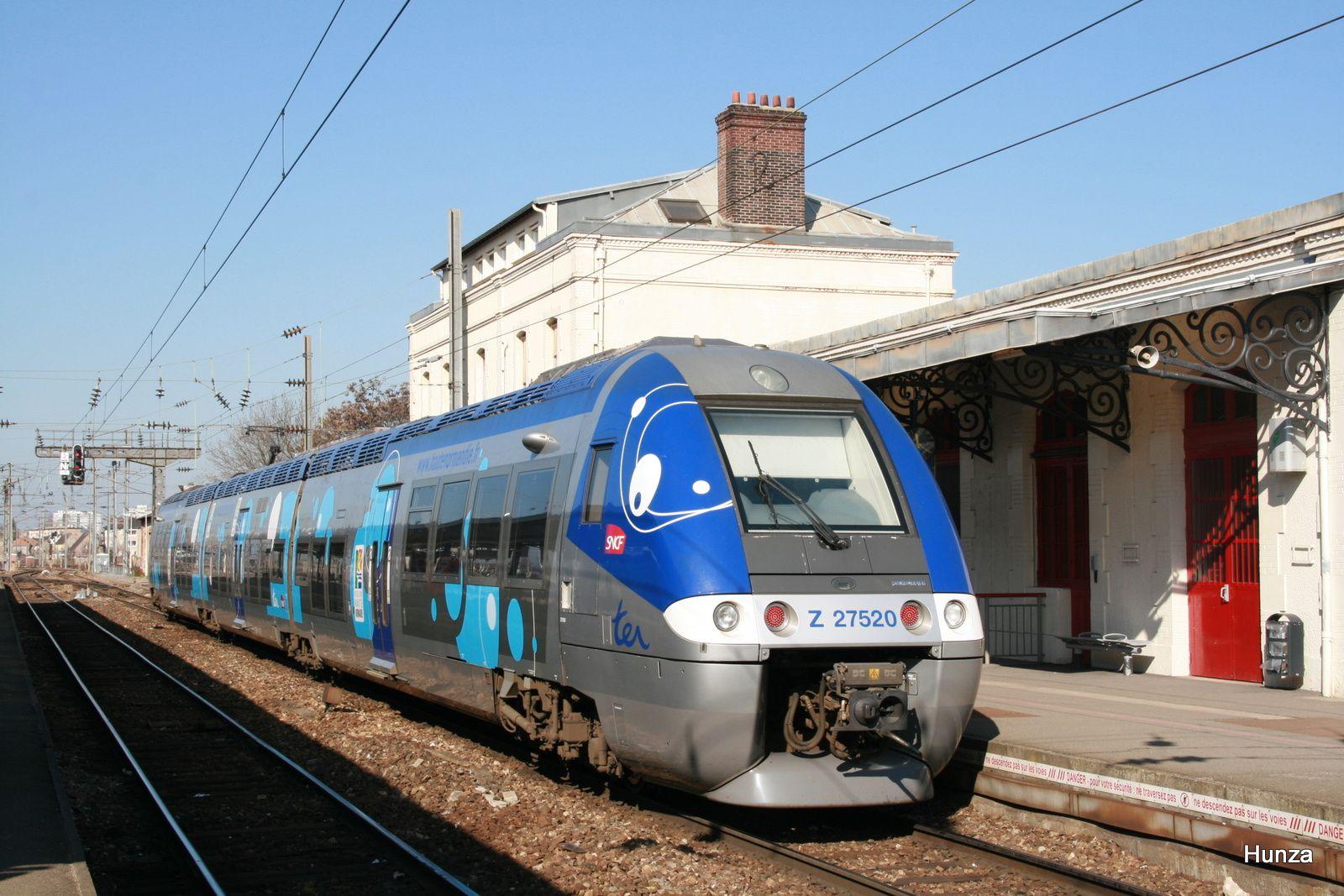 Z 27520 à Mantes la Jolie (7 mars 2011)