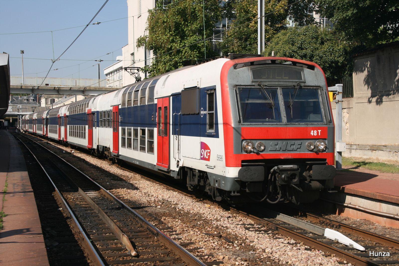 Z 5696 en gare de Versailles Château Rive Gauche (28 septembre 2008)