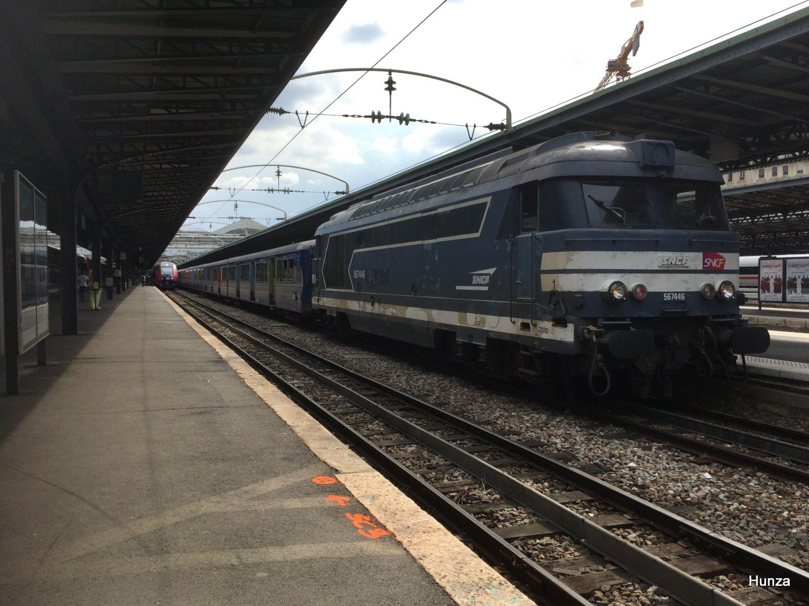 Gare de l'Est : train FYMO à destination de La Ferté Milon avec BB 67446 (5 juillet 2018)