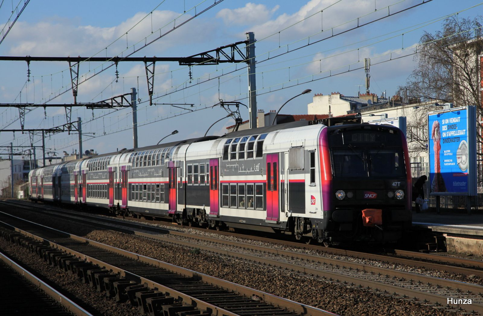 Vitry sur Seine : train CITY assuré par une Z 5694 (5 avril 2016)