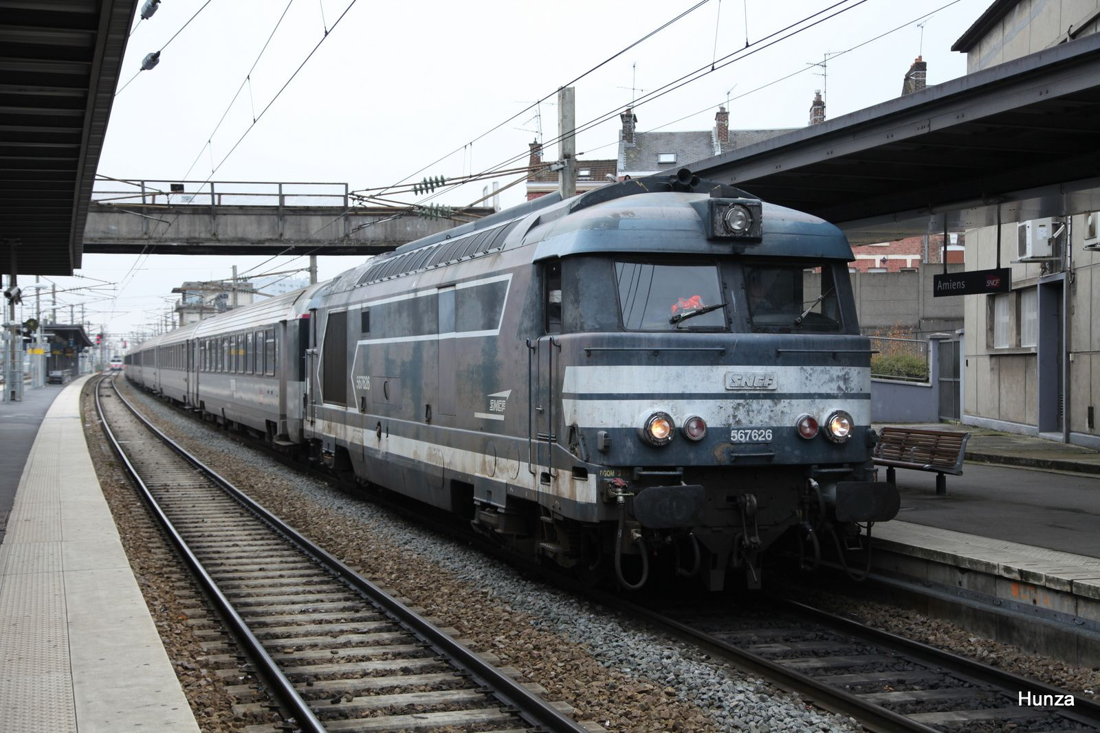 Amiens, BB 67626 en tête du train Intercités Paris - Calais (8 novembre 2019)