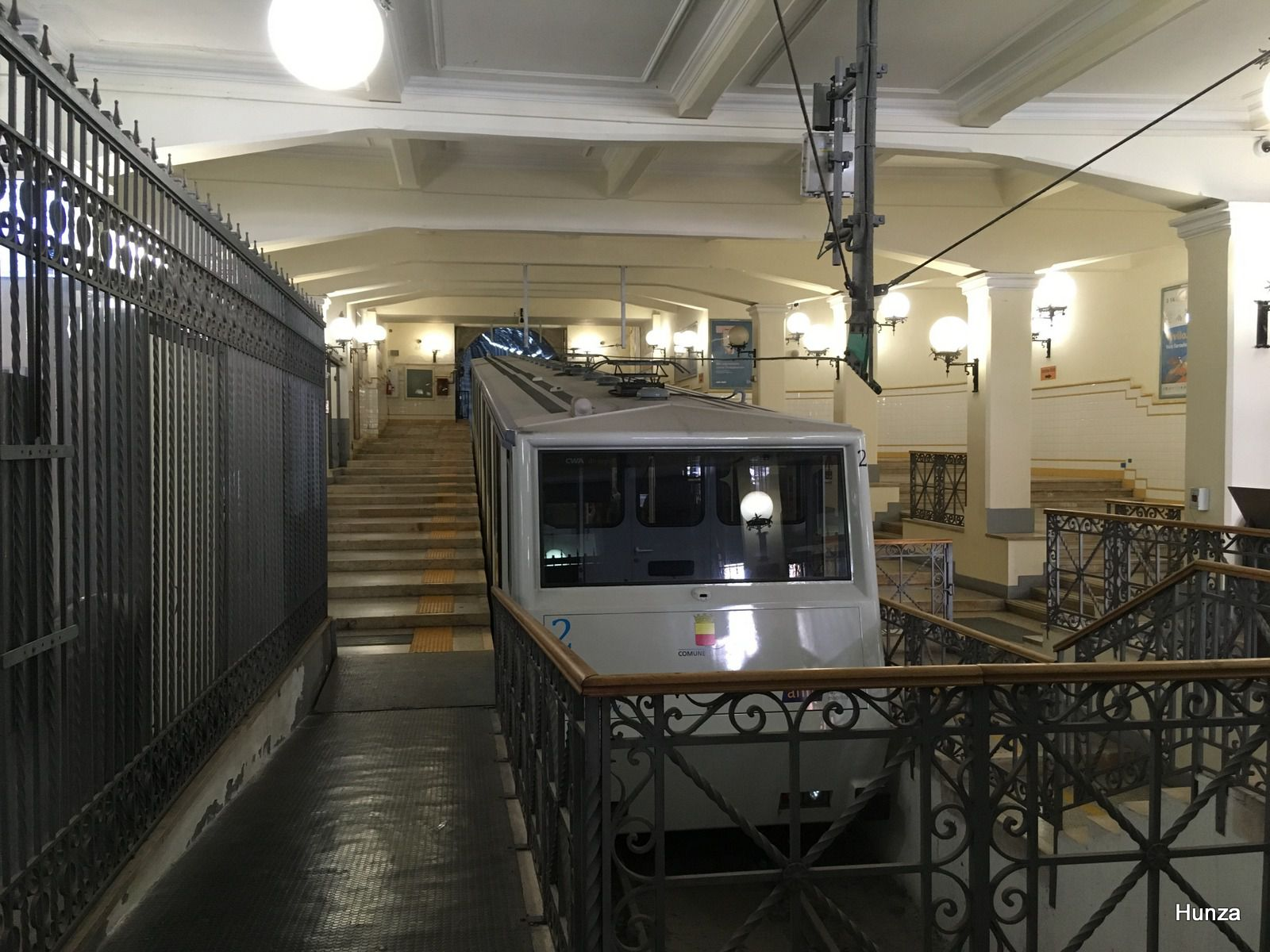 Naples, le funiculaire central
