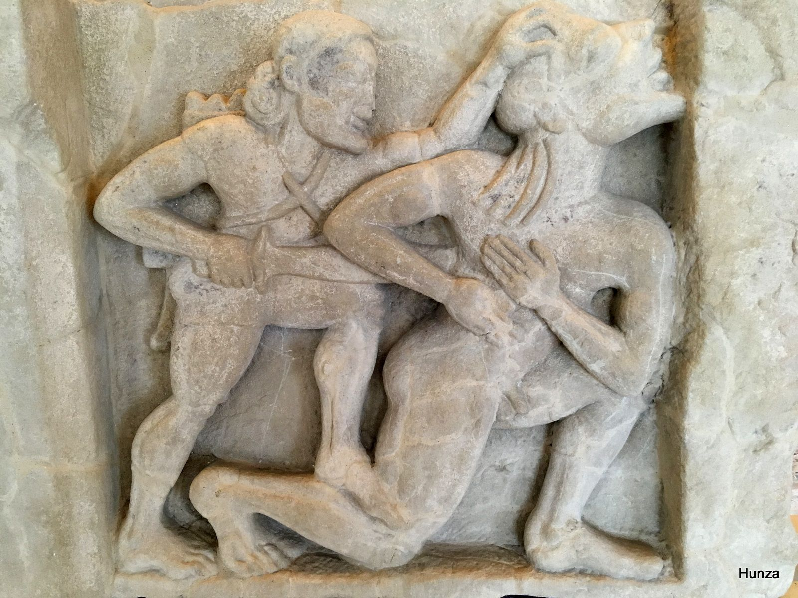 Métope du temple d'Héra représentant Héraclès tuant le géant Alcyonée