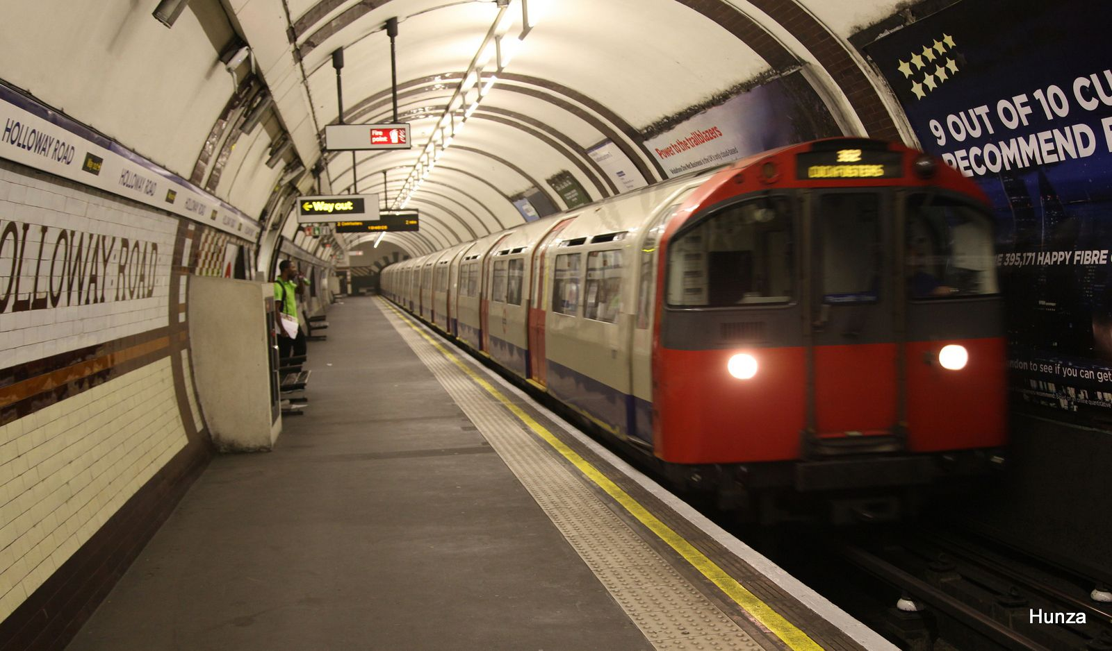 Rame 1973 Stock de la Picadilly Line à Holloway Road station (28 juillet 2014)