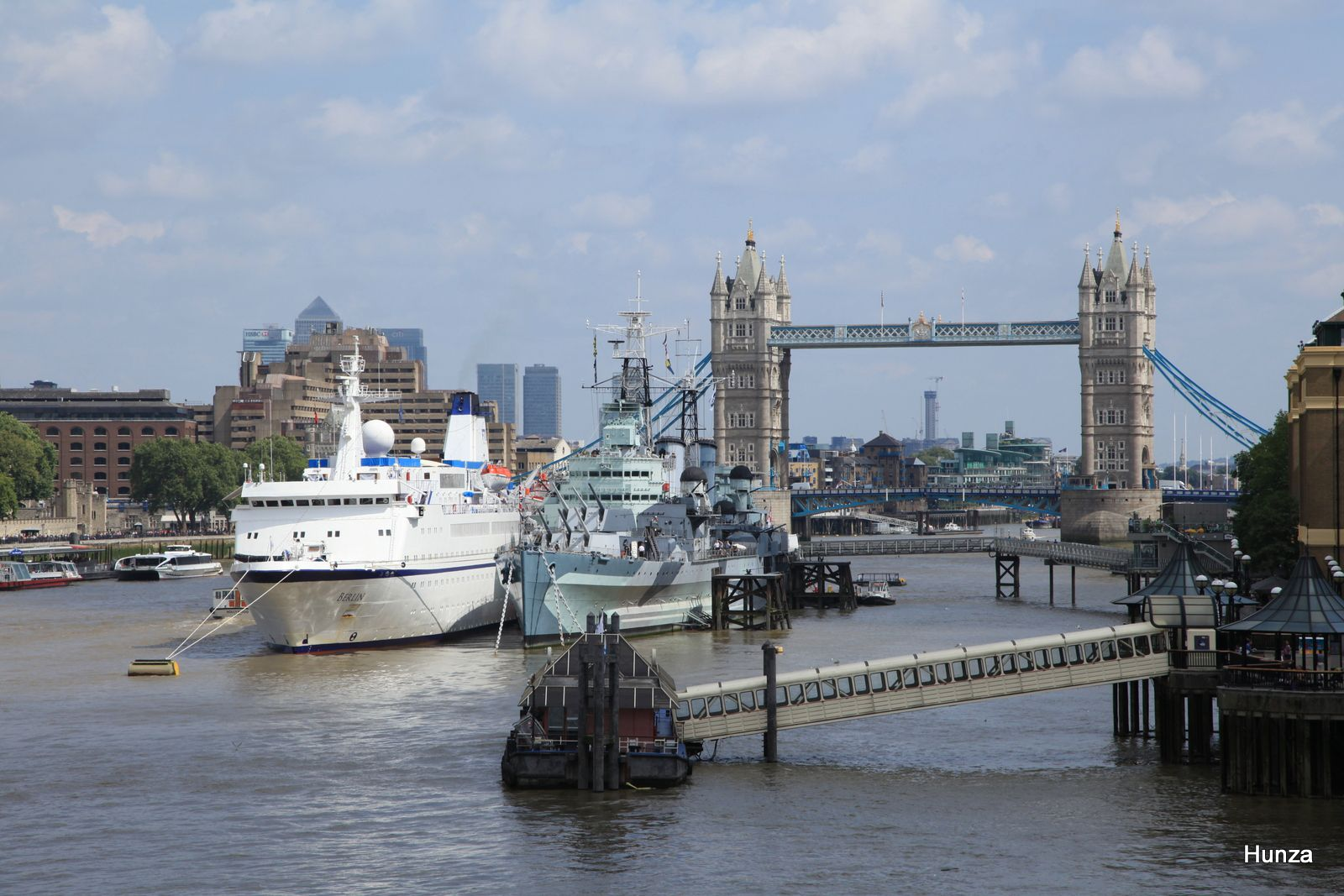 Le cuirassé HSM Belfast et le Tower Bridge vus depuis le London Bridge