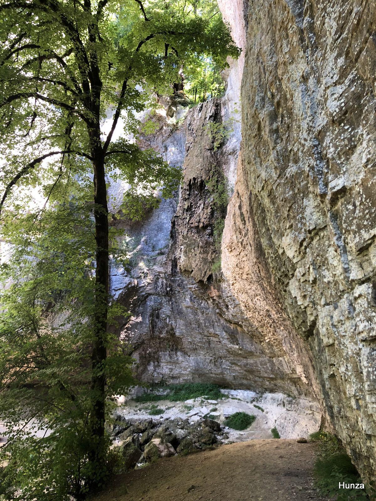 Bourgogne, cascade du cirque du Bout du monde